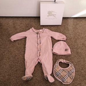 Burberry children's pink three piece set 3 months